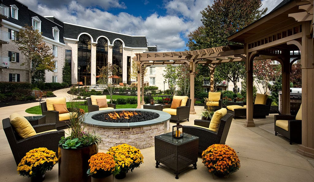 Willow Valley Retirement outdoor patio